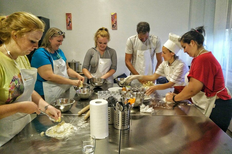 Pasta and ravioli gnocchi making class: half day cooking class in Rome